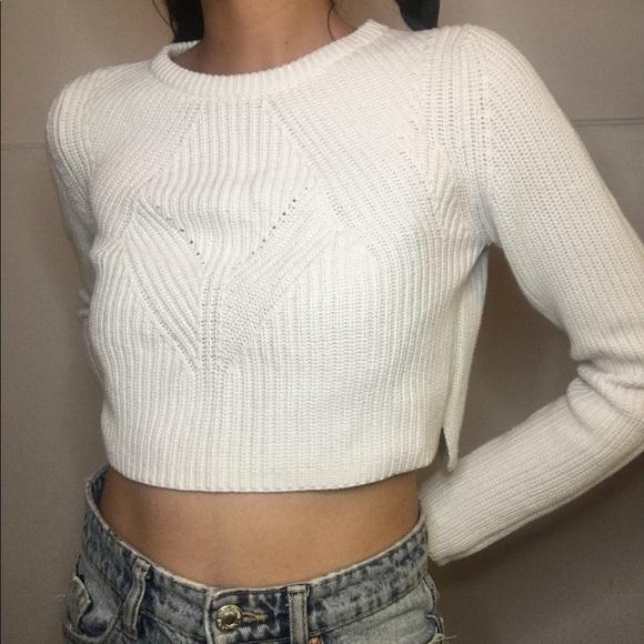 Zara Tops - Zara knitting white crop top